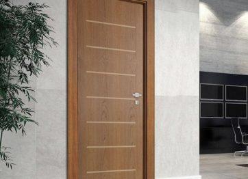 porta frisada madeireira